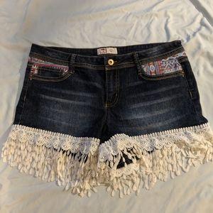 Lei Ashley low-rise shorts  with fringe size 13